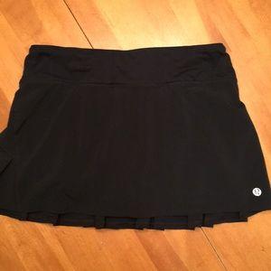 LuLu Lemon 🍋 FRONT LOGO black skirt GR8 price!